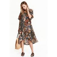 H&M Wzorzysta sukienka z wiskozy 0388962005 Pudrowy