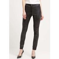 Vero Moda VMNORINA Spodnie materiałowe black VE121A0E2