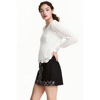 H&M Sweter ze sznurowaniem 0476037001 Biały