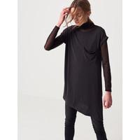Mohito Czarna koszulka z ozdobną kieszenią QV711-99X