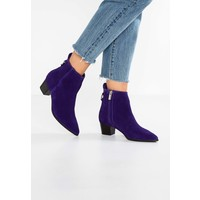 Topshop MATCHA POINTED BOOTS Botki purple TP711N06D