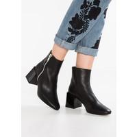 Topshop MISCHA Ankle boot black TP711N06Y
