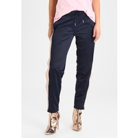 Urban Classics LADIES BUTTON UP TRACK PANTS Spodnie treningowe navy/lightrose/white UR621A01E