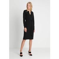 And Less DANELLE DRESS Sukienka etui black A0M21C00Y