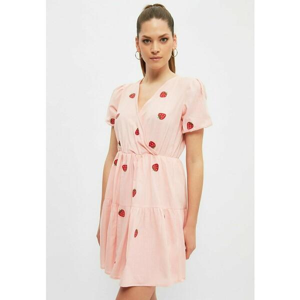 Trendyol Sukienka letnia pink TRU21C0F8